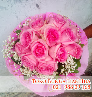 beli handbouquet mawar pink toko bunga jakarta