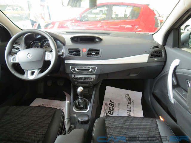 carro Fluence Renault 2013 - interior