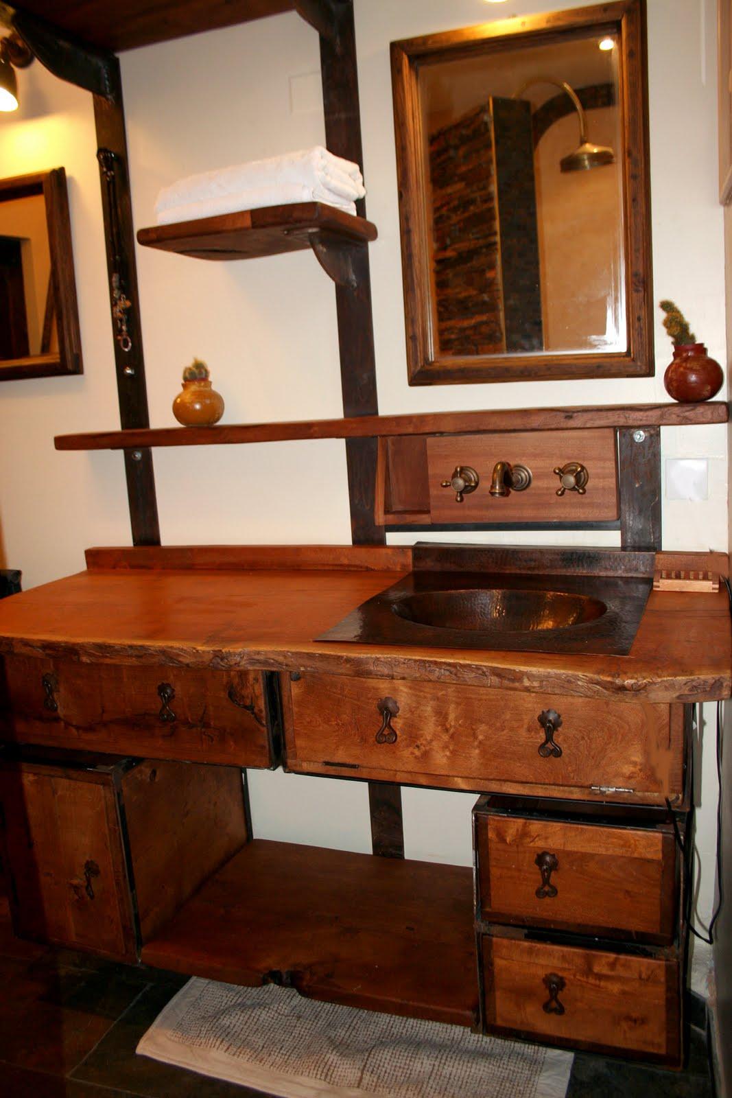 Amadera meuble et d coration le charme thique du - Meuble de salle de bain en bois exotique ...