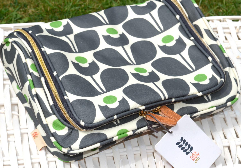 Orla Kiely Etc Wall Flower Print Large Wash Bag | Gemma Etc ...