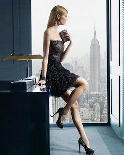 siyah straplez abiye, kısa abiye, mini abiye, püsküllü abiye, dar abiye, seksi abiye, gece elbisesi,