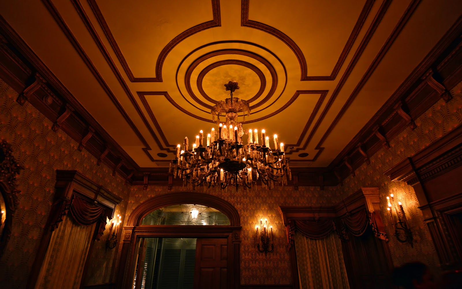 Haunted Mansion Foyer Wallpaper : Photo collection haunted mansion foyer by
