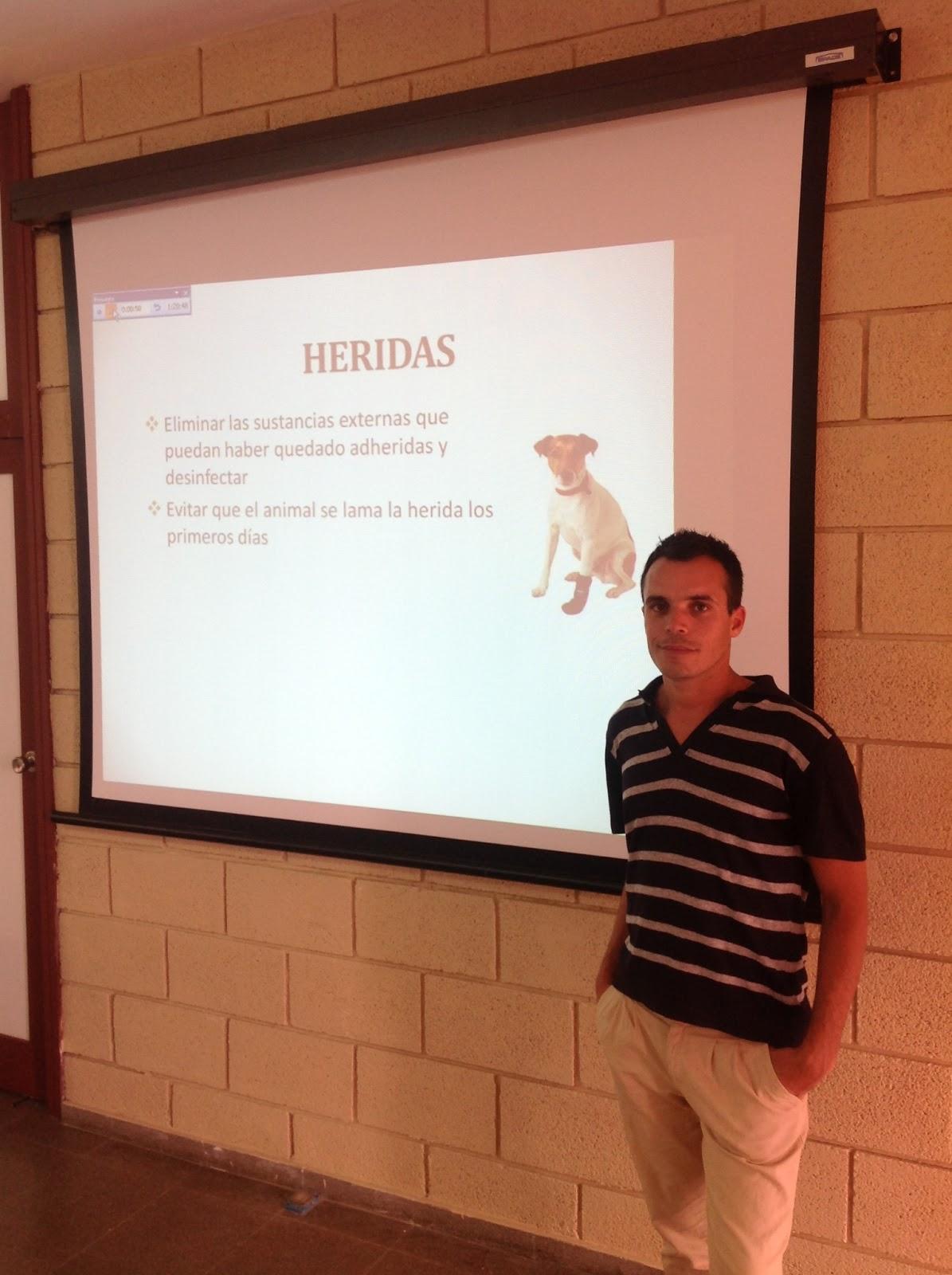 Isaco de Armas es uno de los encargados de impartir el Curso de Productos Veterinarios organizado por el Colegio Oficial de Farmacéuticos de Santa Cruz de Tenerife