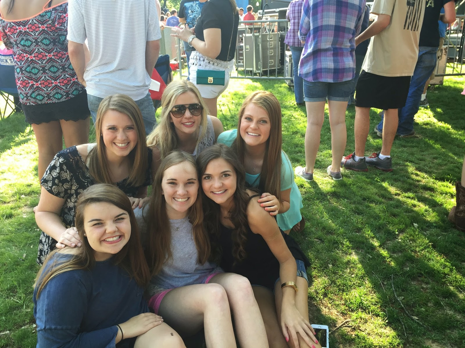 Thomas Rhett Concert in the Grove Ole Miss Anchors and Pearls