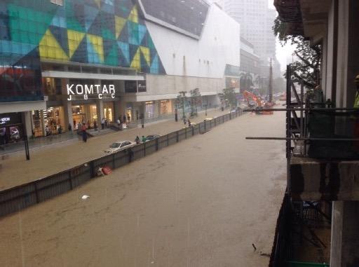 Gambar Johor Bahru dilanda banjir kilat