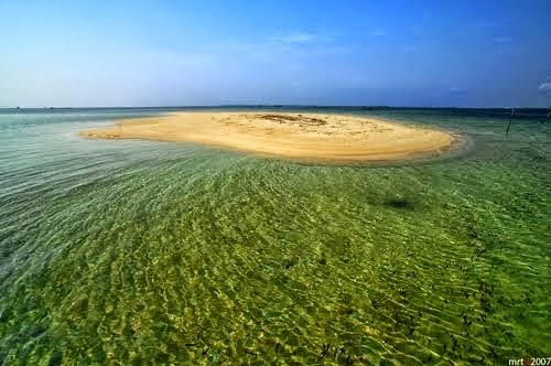 Pulau yang Muncul di Siang Hari dan Tenggelam di Malam Hari