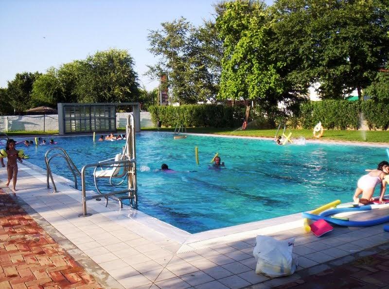 Adamuz turismo sostenible el verano ya lleg a o 2011 for Horario piscina benicalap