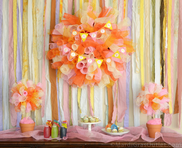 Deco Mesh, DIY, Tutorial, Topiary Ideas, Centerpiece, Deco Mesh Wreath, Pennant Banner, Happy Birthday
