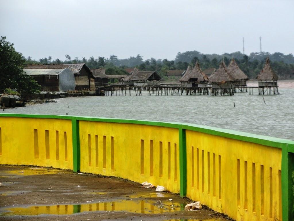 Bangunan-banguna sepanjang pantai Pungkruk, Jepara