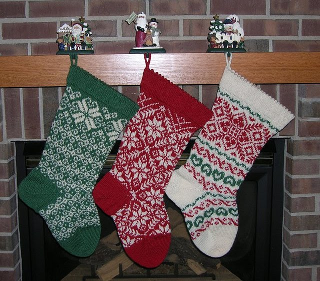 Plain Christmas Stocking Knitting Pattern : The Knitting Needle and the Damage Done: A Run of ...