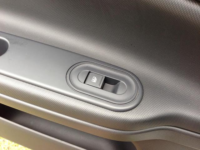 MG3 window switch