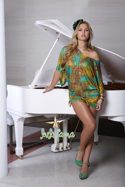 Elisandra Tomacheski Hot pictures
