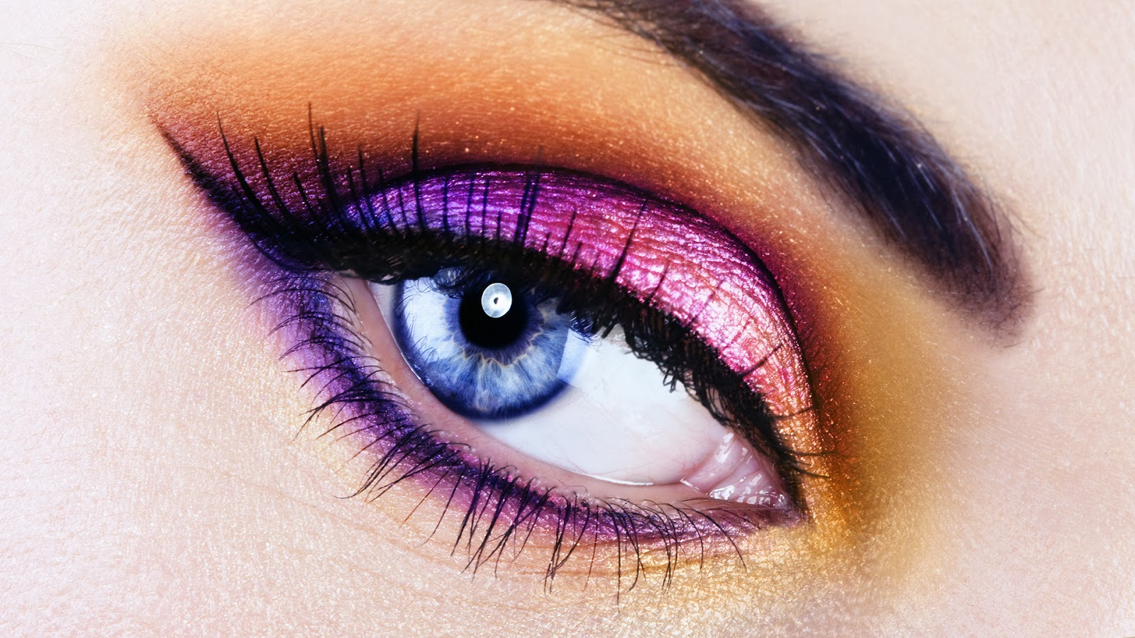 beautiful eyes makeup close up