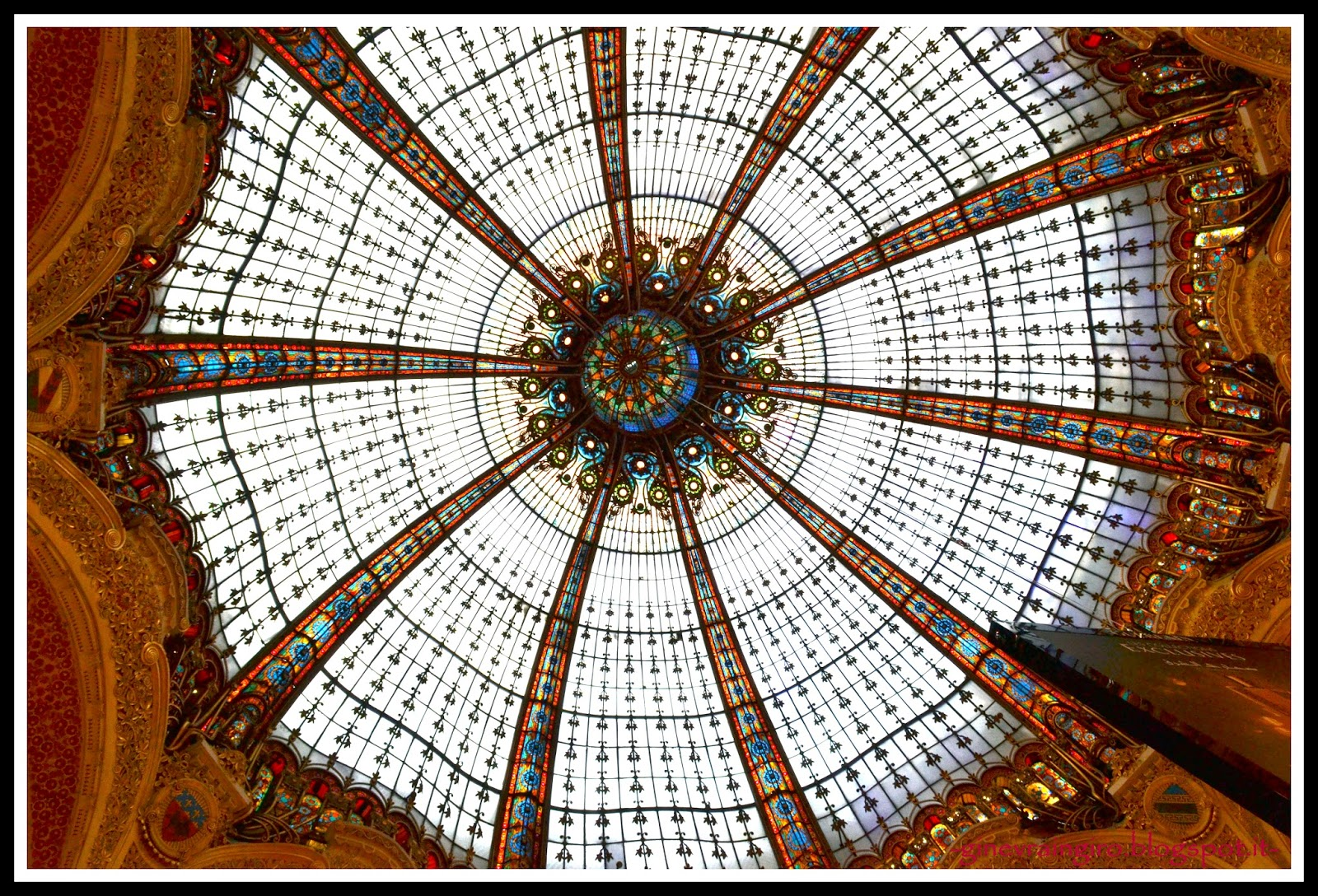Ginevraingiro shopping e arte la galeries lafayette for Costruisci piani senza cupola