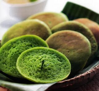 Kue Serabi Hijau, resep Kue Serabi Hijau, cara membuat Kue Serabi Hijau, panduan membuat Kue Serabi Hijau, Kue Serabi Hijau enak