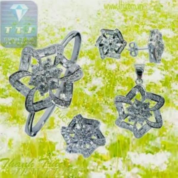Bông-tai-dây-chuyền-vòng-vàng-ý-750-dep-2014