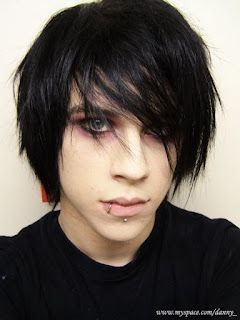 Male Emo Hairstyles Pictures - Boys Emo Haircut Ideas
