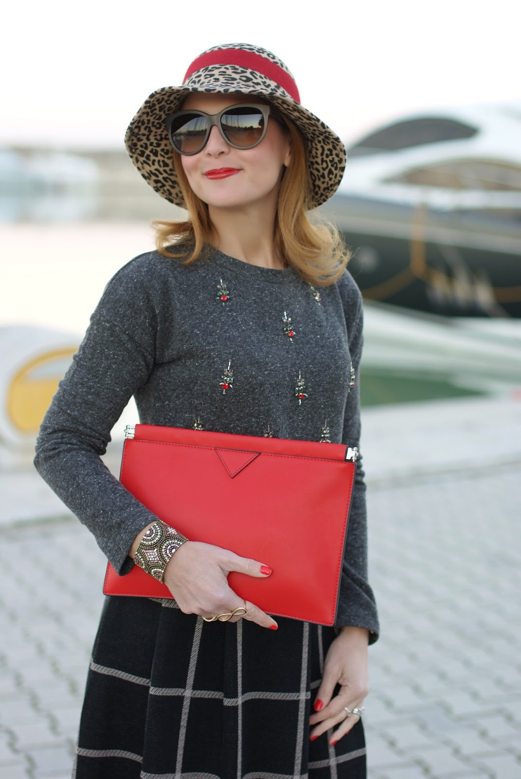 rhinestones sweatshirt, embellished top, leopard hat, Fashion and Cookies, fashion blogger