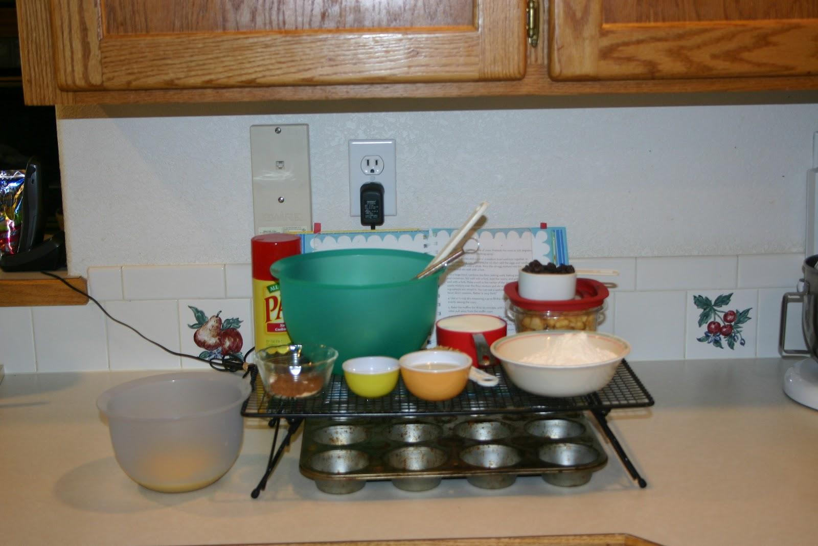 Paula Deen\'s Apple Raisin Muffins | Mack\'s Moody Mixing\'s