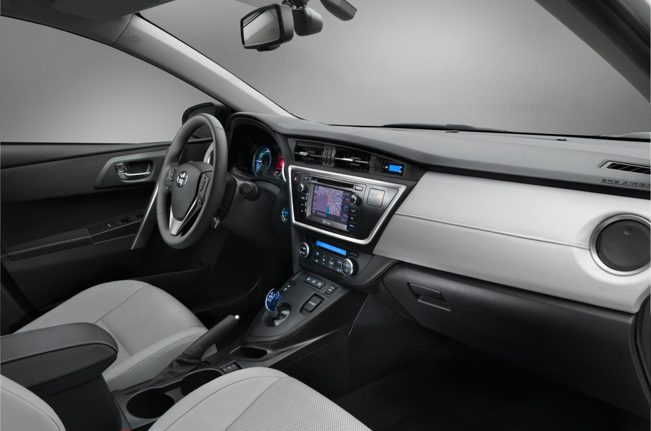 Toyota+Auris+3.jpg