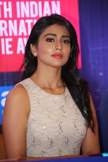 Shriya Latest Still At SIIMA Awards Curtain (18).jpg