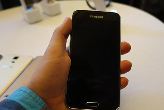 Saiz skrin Samsung Galaxy S5