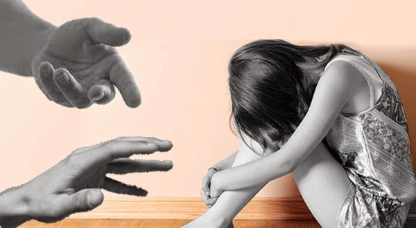 Gadis Yang Dipaksa Melayani Nafsu Bejat 1.800 dan Ayah Tirinya