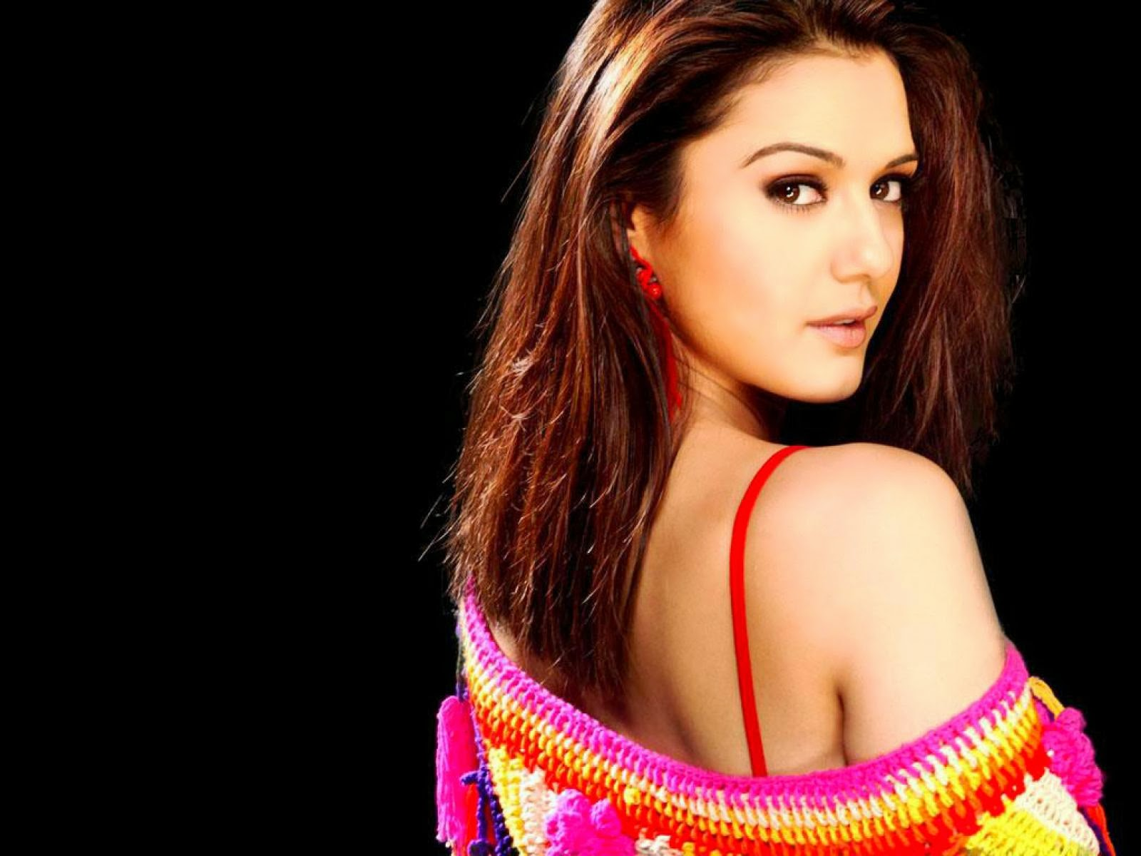 hot girl wallpaper: preity zinta hd wallpaper free download