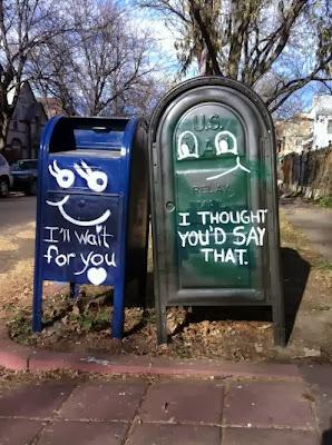 Μια ιστορία αγάπης ανάμεσα σε 2 ταχυδρομικά κουτιά