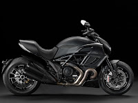Gambar motor 2013 Ducati Diavel Dark 1