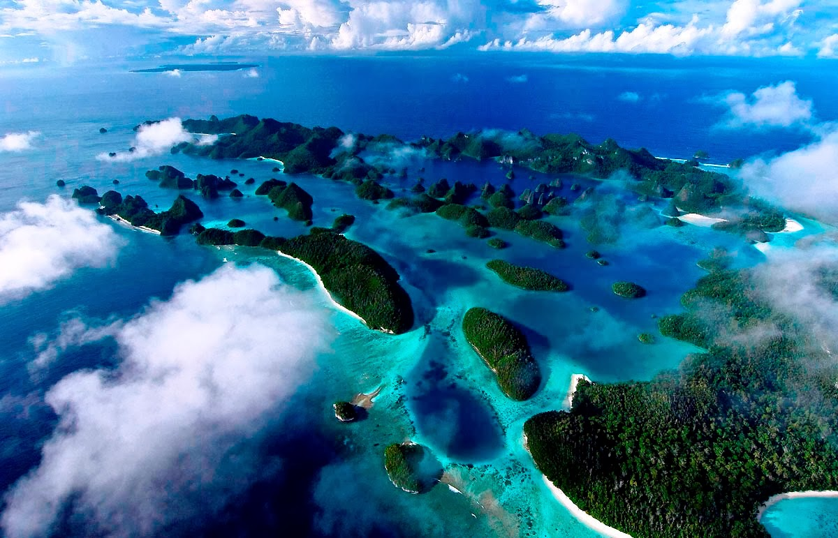 Four kings, Raja Ampat hidden pradise, diving in Raja Ampat, sunset raja ampat, romantic paradise, coral reef raja ampat, snorkeling, holiday in raja ampat, adventure, manta ray