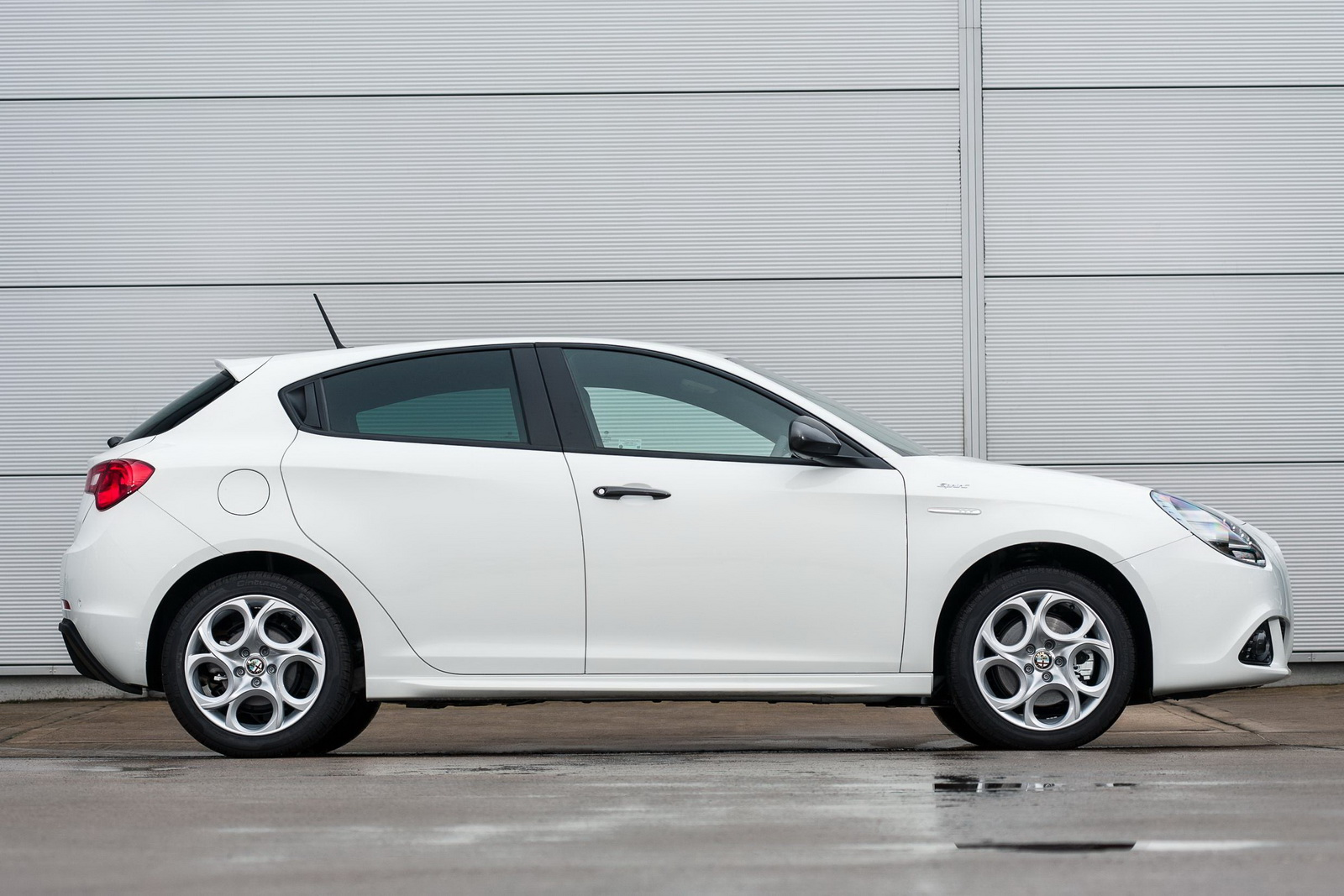 Alfa Romeo Giulietta Sprint Launched in the UK, Priced From £20,490