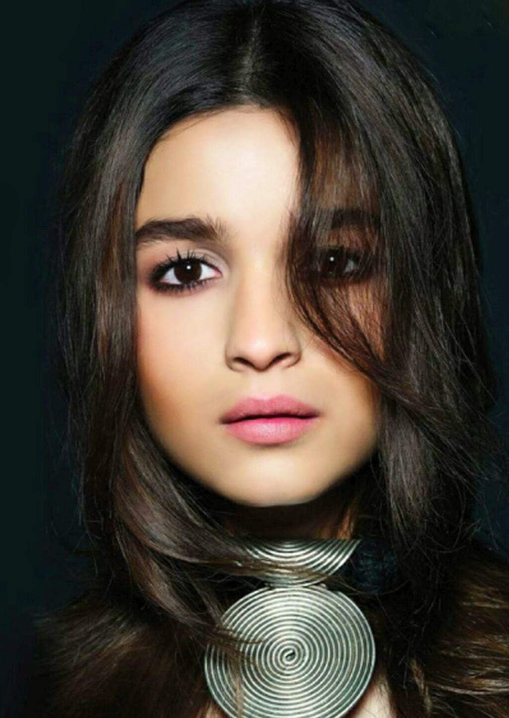 Alia Bhatt Nude Photos 21