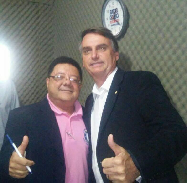 JORNALISTA RAIMUNDO NETO COM PRESIDENTE JAIR BOLSONARO