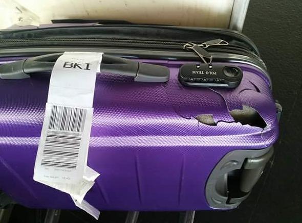 Habis Hancur Beg Penumpang Naik Pesawat AirAsia