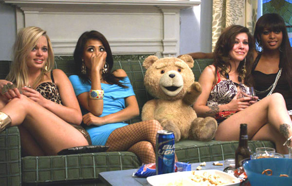 seth-macfarlane-ted-movie-hot-girls.jpg