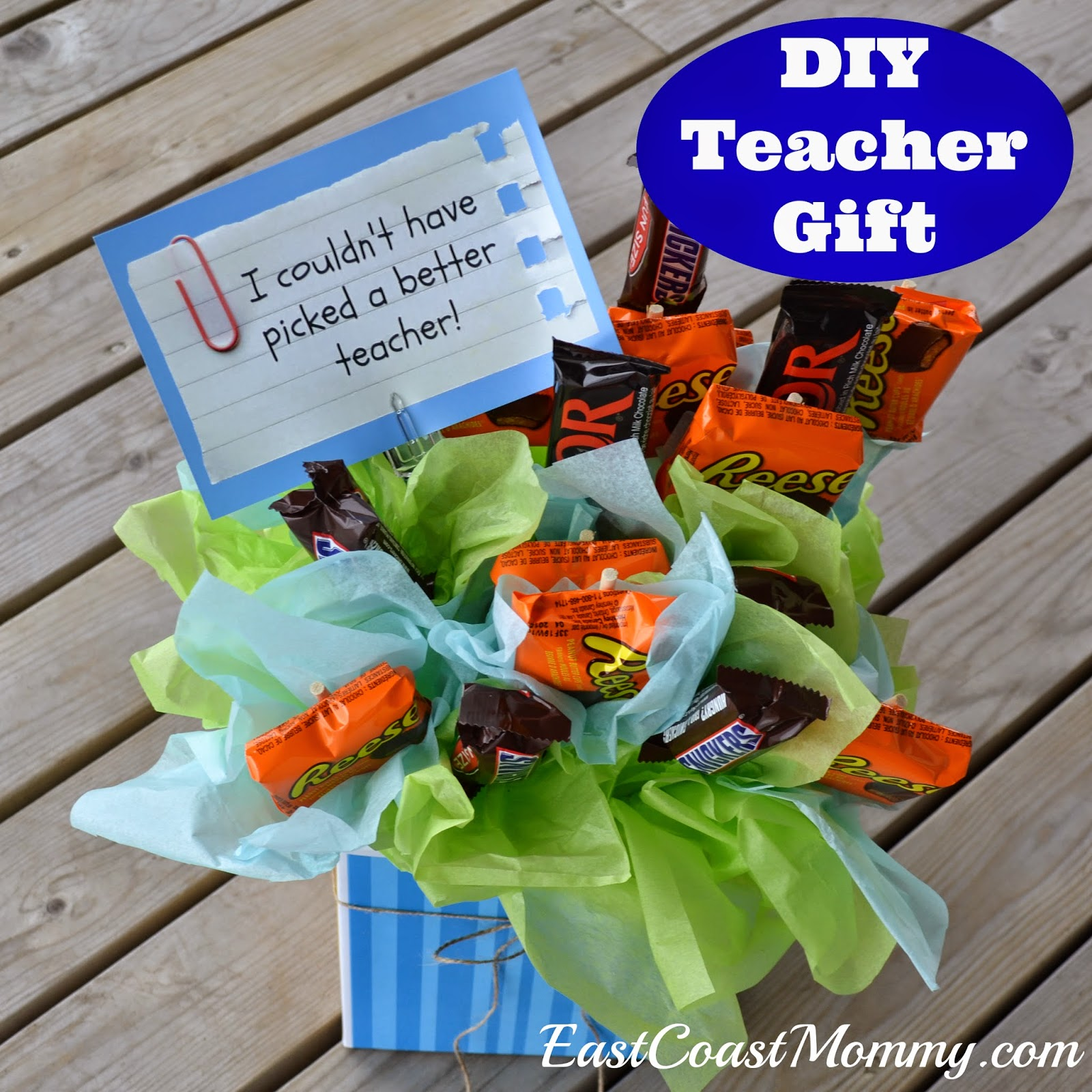 East Coast Mommy: DIY Teacher Gift {Candy Flower Bouquet}