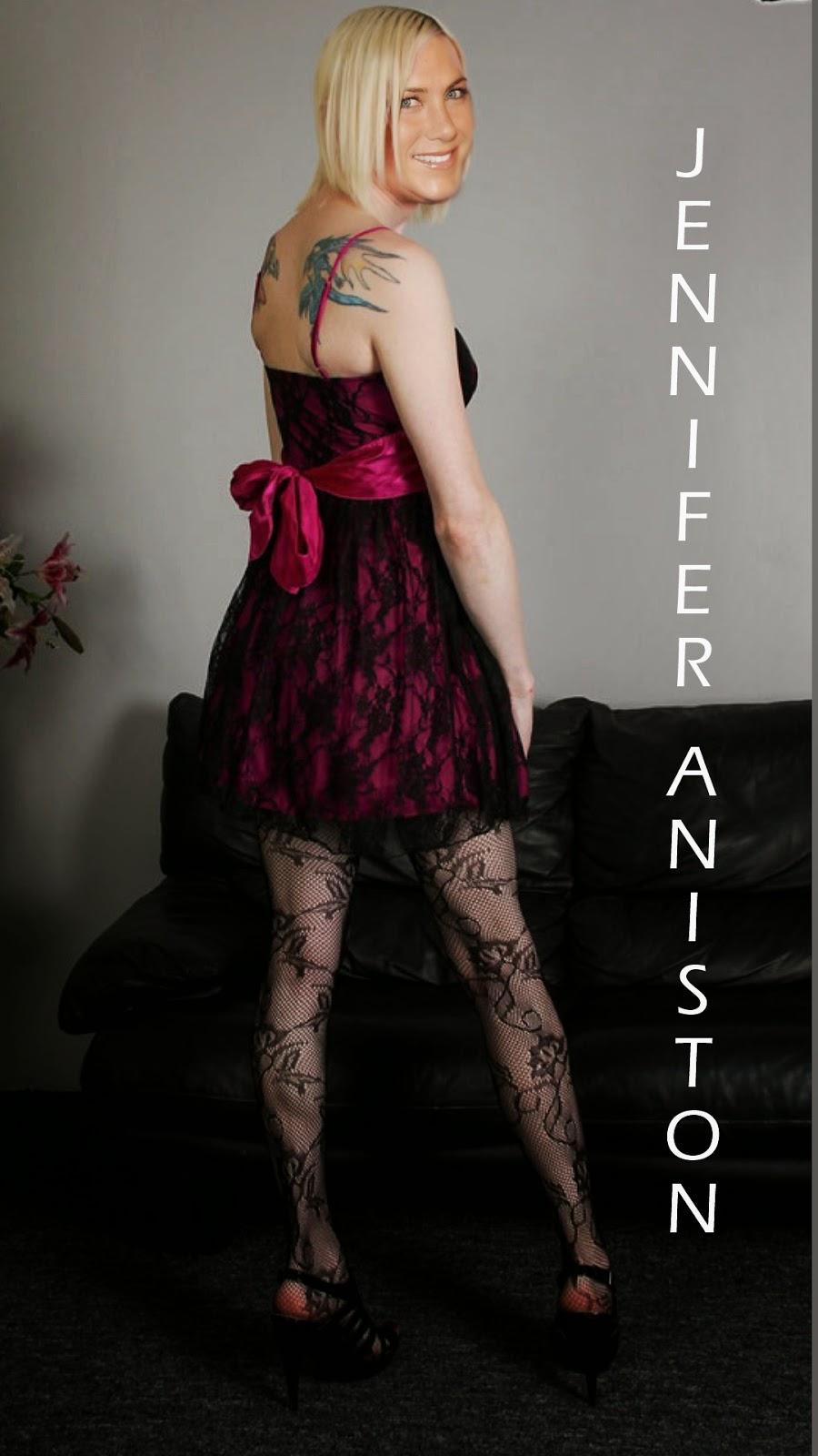 Celebrity Transvestite Fakes Jennifer Aniston