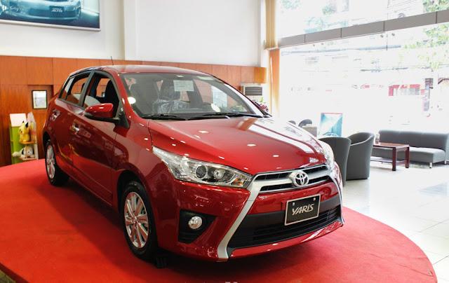 Toyota Yaris 2016 red