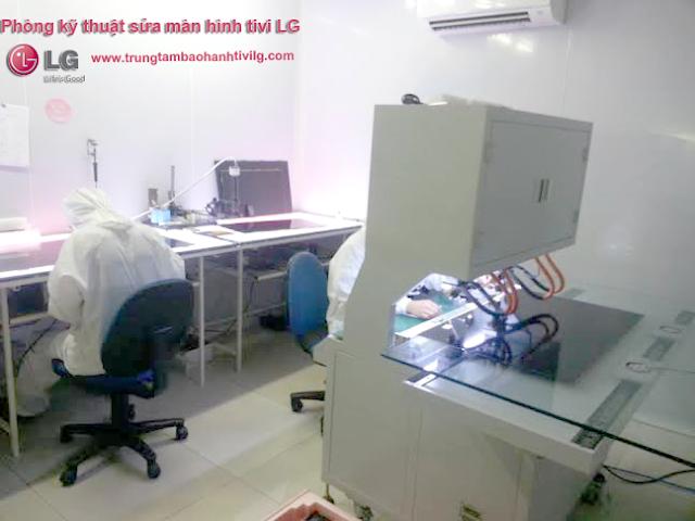 Hình ảnh Phòng kỹ thuật thay màn hình tivi LG