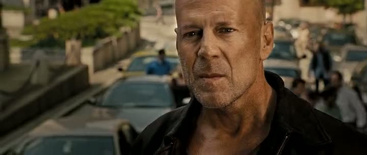 Screen Shot Of Live Free or Die Hard (2007) Dual Audio Movie 300MB small Size PC Movie