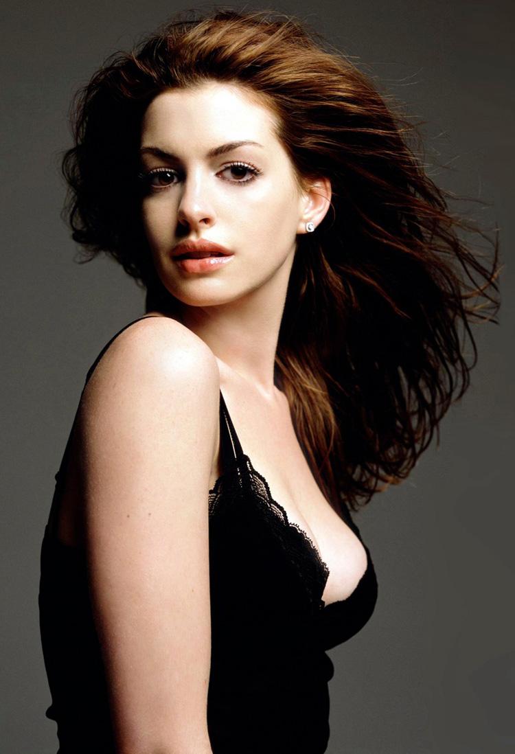Anne Hathaway Haircut 40