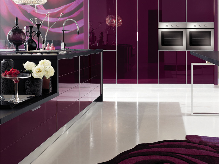11 cocinas color morado italianas modernas ideas para for Decoracion de cocinas modernas fotos