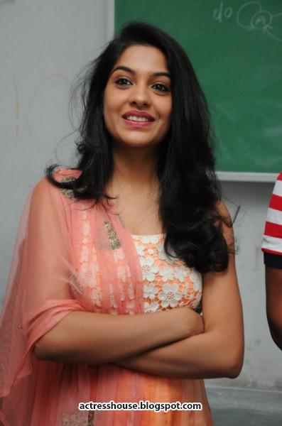 archana kavi cute photos actress hot stills