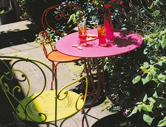 Rosa Drömmar Färgglada Utemöbler Från Fermob