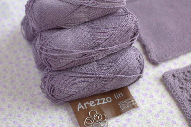 Balls of Arezzo lin yarn by Hjertegarn