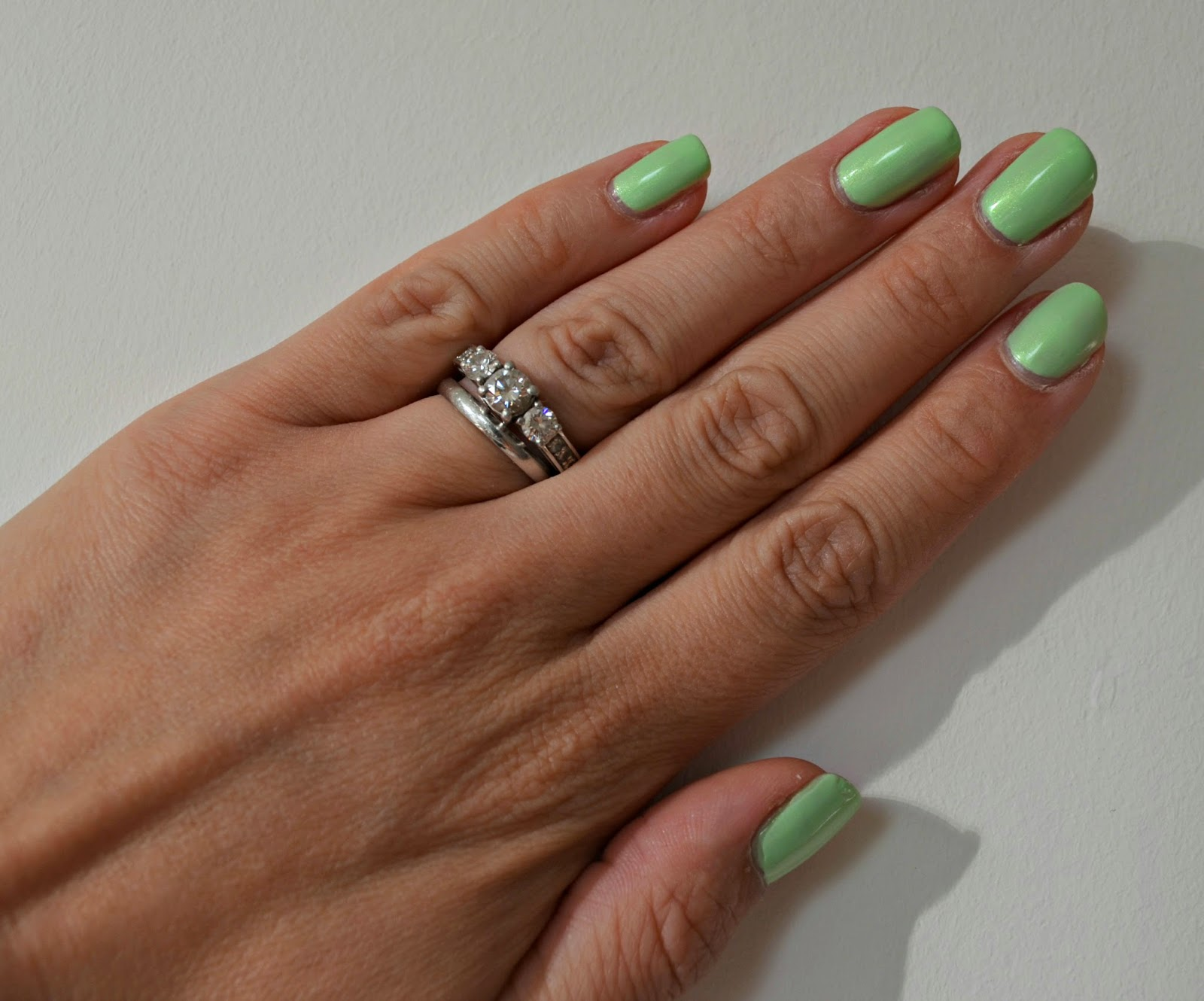 Pixi nails lime lustre