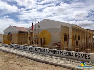 """Escola Prefeito Severino Pereira Gomes recebe prêmio """"Mestres da Educação e Escola de Valor"""""""