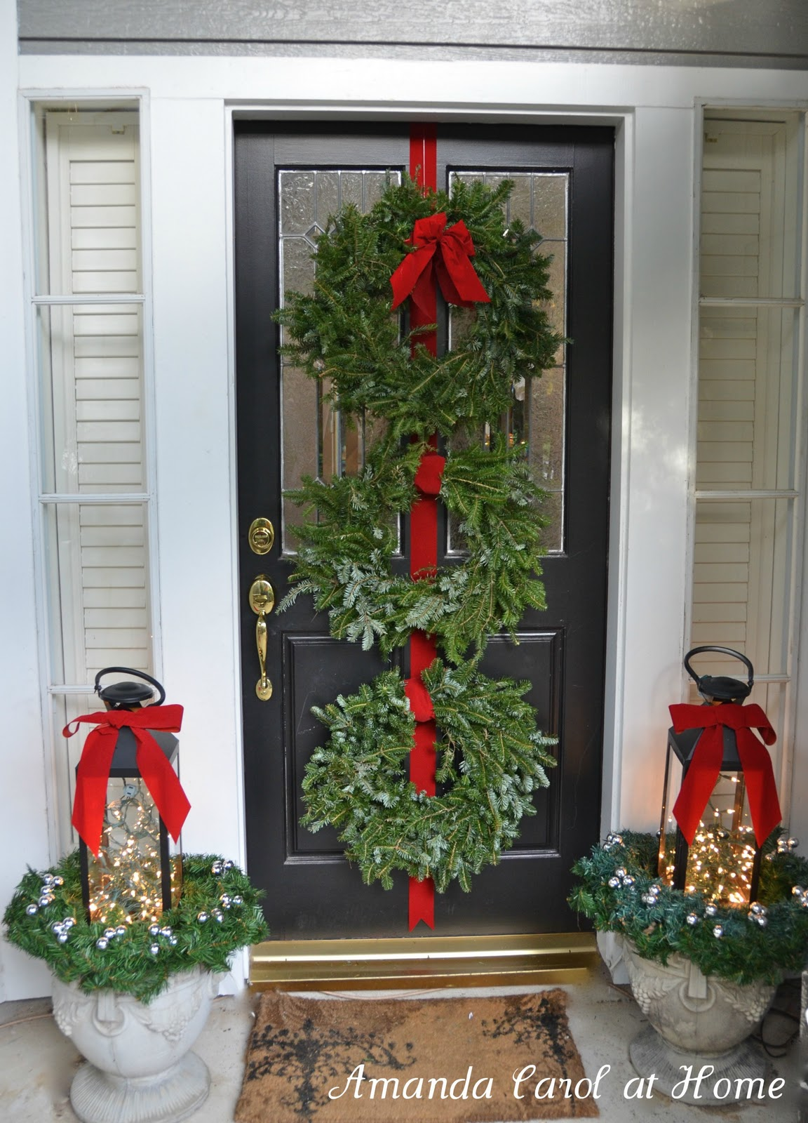 Front porch decor amanda carol interiors for Easy front porch christmas decorations