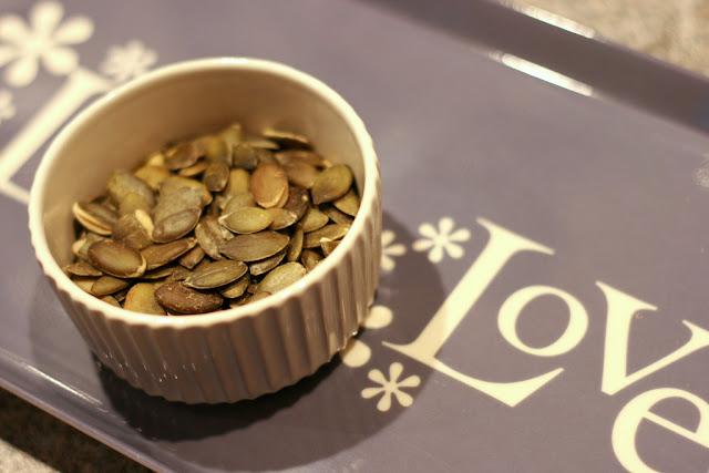 how to cook pumpkin seeds in a frying pan
